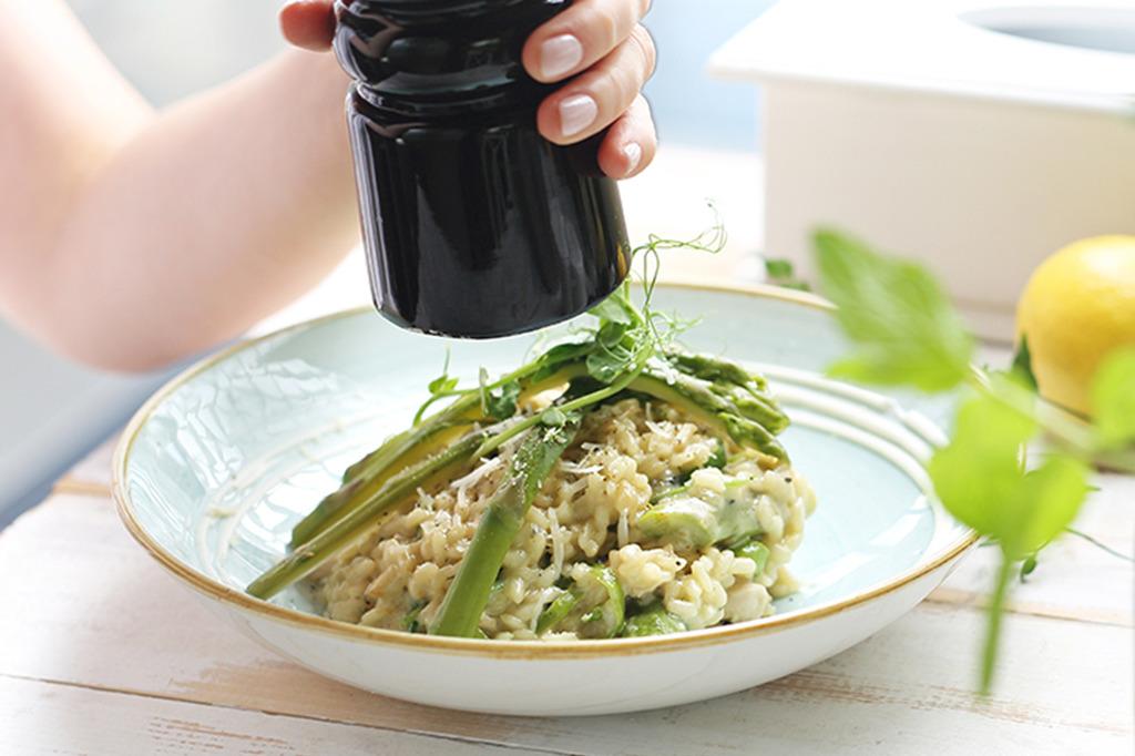 risotto de legumes da cigala com moinho preto de especiarias