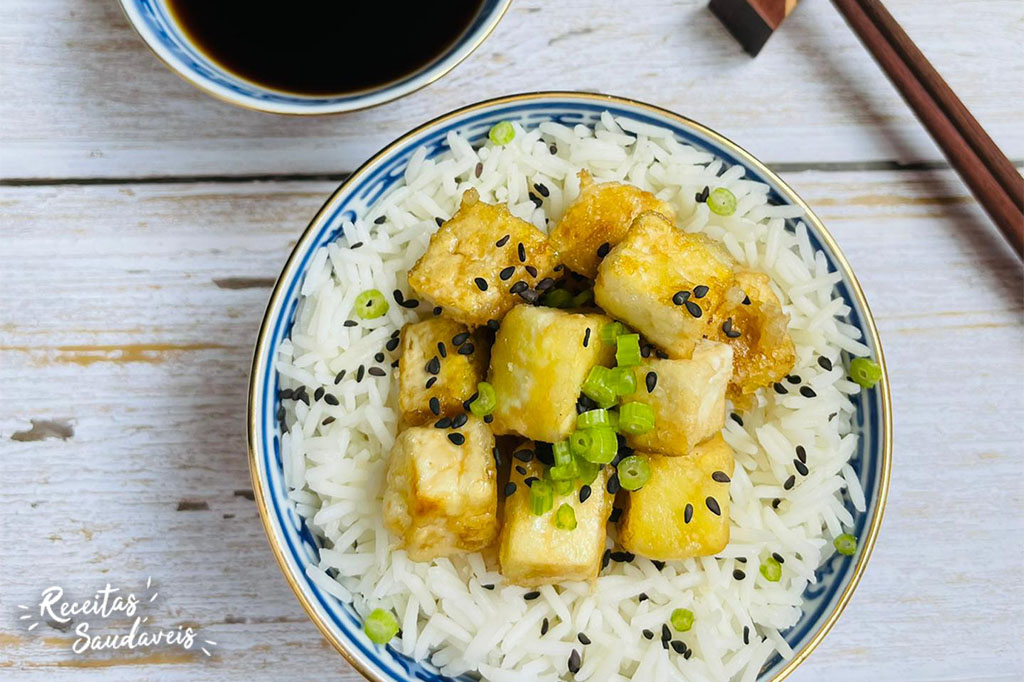 tofú crocante com arroz basmati da cigala
