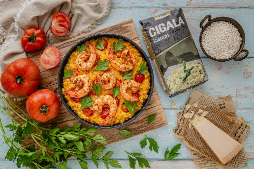 risotto com acafrão camarão e tomate cereja